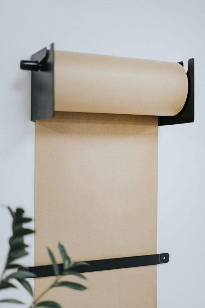 Настенный держатель крафт бумаги черный