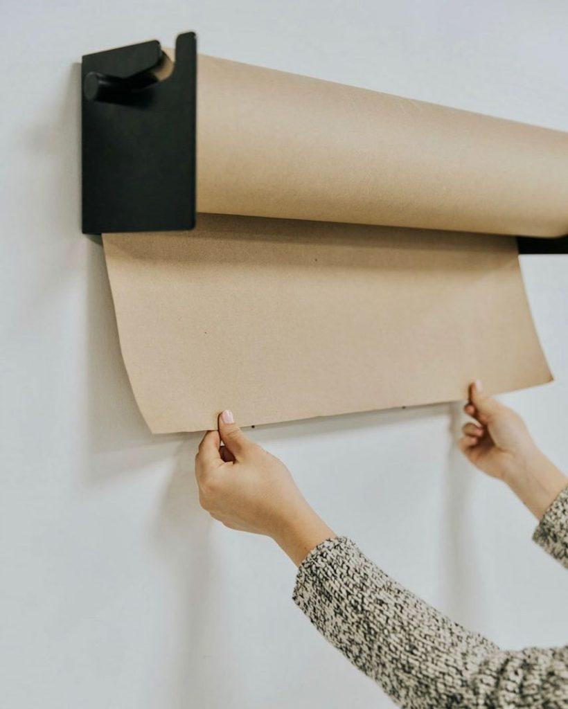 Бумажный держатель на стену
